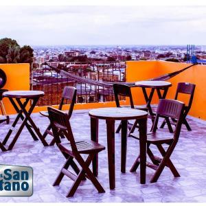 Hotel Pictures: ApartaEstudios San Cayetano, Cali