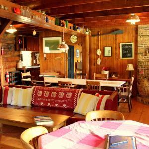 Hotel Pictures: Chalet Lac a la truite, Piopolis