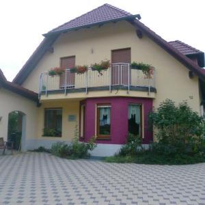 Hotelbilleder: Ferienwohnung AQUA, Burgebrach, Burgebrach