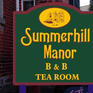 Hotel Pictures: Summerhill Manor Bed & Breakfast and Tea Room, Port Hope