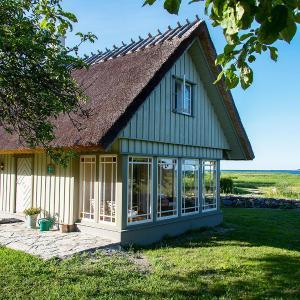 Hotel Pictures: Hansi Puhkemaja, Kuivastu