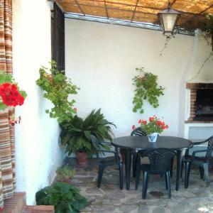 Hotel Pictures: Cortijo los Llanos, Monachil