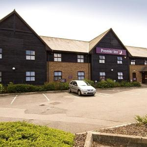 Hotel Pictures: Premier Inn Farnborough West - Southwood, Farnborough