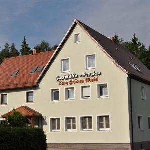 Hotelbilleder: Pension Zum Grünen Wald, Feuchtwangen