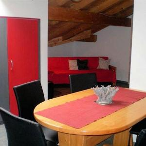 Hotel Pictures: Apartment Hirzboden, Adelboden