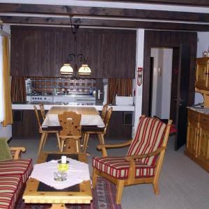 Hotel Pictures: Apartment Ferienwohnung Ibach, Churwalden