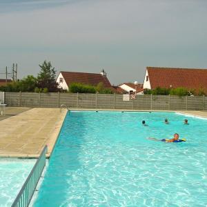 Zdjęcia hotelu: Holiday Home Noordzeepark Zeewind.2, Bredene