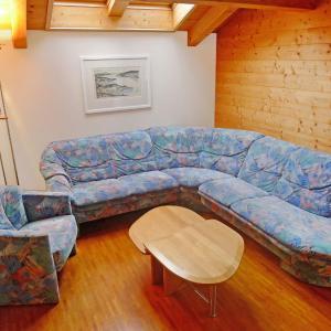 Hotel Pictures: Apartment Wohnung Violett, Lungern