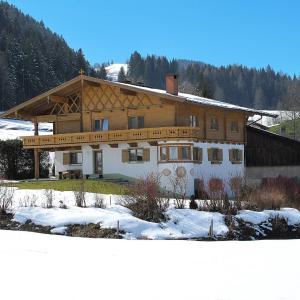 Fotografie hotelů: Ferienwohnung Walchsee. Sachrang 200W, Kössen