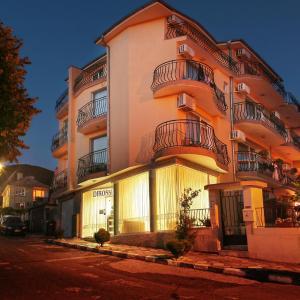 ホテル写真: Dirossi Hotel, サニービーチ