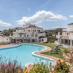 Hotel Pictures: Vistas De Aloha Luxury, Marbella