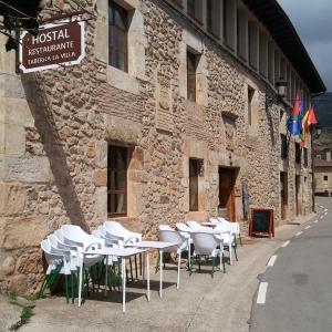 Hotel Pictures: Hostal Taberna La Villa, Canales de la Sierra