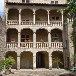 Hotel Pictures: Hotel D´ Alfonce, Pézenas