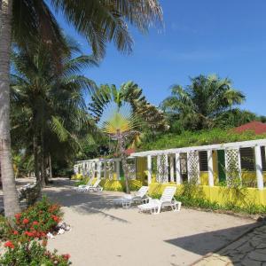 Hotel Pictures: Southern Shores Resort Cabanas, Placencia Village
