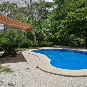 Hotel Pictures: Cabinas el Bosque, Tambor