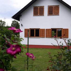 Hotellikuvia: Holiday Home B'Ella, Velika Gorica