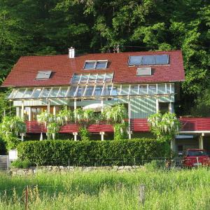 Hotelbilleder: Ferienwohnung Ehrath, Staufen im Breisgau