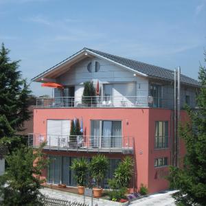 Hotel Pictures: Haus Lorenz, Ferienwohnungen, Immenstaad am Bodensee