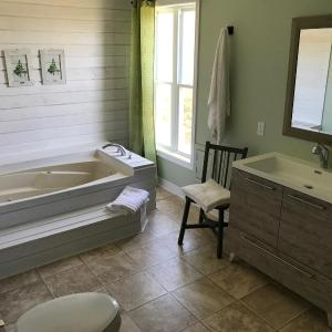 Hotel Pictures: Ten Dunes View Beach House, Tracadie
