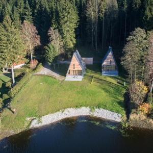 Hotel Pictures: Chata u jezera - Lenicka, Frymburk