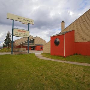 Hotel Pictures: Fort St. John Motor Inn, Fort Saint John