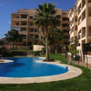Hotel Pictures: Bajo con acceso directo a la piscina, Aguadulce