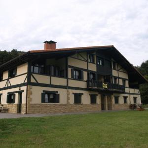 Hotel Pictures: Oribarzar-House Infitive Love Zen, Orio