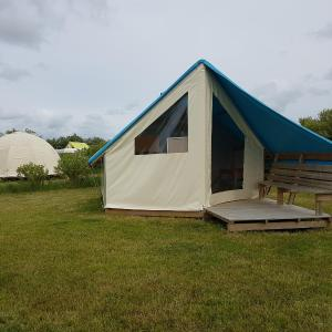 Hotel Pictures: Camping Les Chagnelles, Le Perrier