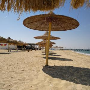 Hotel Pictures: Chalet in Nozha beach, Ras Sedr