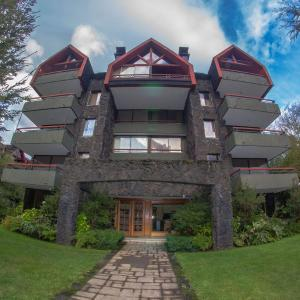 Hotel Pictures: Departamento Cerros de Pucón, Pucón