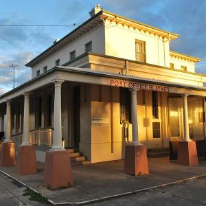 酒店图片: Blayney Post Office Bed and Breakfast, Blayney