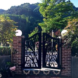 Hotel Pictures: Breath Forest Xiling Garden Inn, Dayi