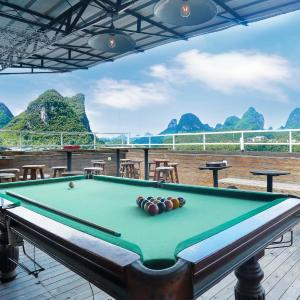 Hotel Pictures: Yangshuo Show Biz Youth Hostel, Yangshuo