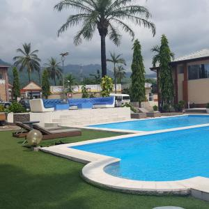Hotel Pictures: Fini Hotel Bobende, Limbe