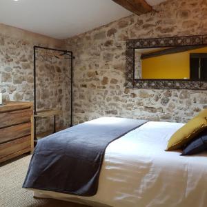 Hotel Pictures: Le Mas de Combeau, Tauriers