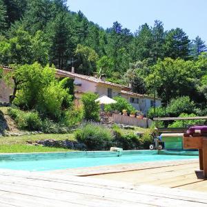 Hotel Pictures: Holiday home St Léger du Ventoux, Saint-Léger-du-Ventoux
