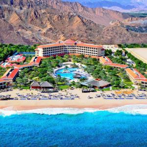 ホテル写真: Fujairah Rotana Resort & Spa - Al Aqah Beach, アル・アカ