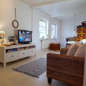 Hotel Pictures: Reetdachkate 'Ostsee-Charme' in Barkelsby - [#38595], Barkelsby