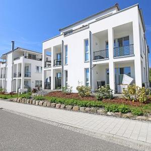 Hotel Pictures: Villa Antje - Ferienwohnung 04, Göhren