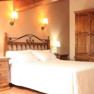Hotel Pictures: Los Rosales de Isabel, Corral de Ayllón