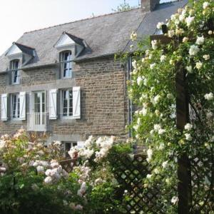 Hotel Pictures: Holiday Home La Roseraie, Port Saint-Hubert