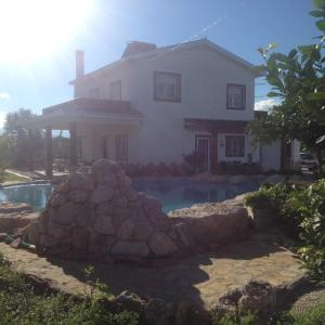 Hotel Pictures: Holiday home Cami de les Marjaletes, Oliva