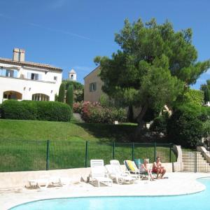 Hotel Pictures: Holiday home Chemin de Lambesc, Mallemort