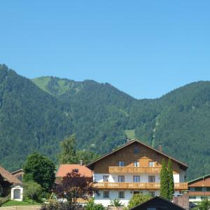 Hotel Pictures: Zum Heisn, Lenggries