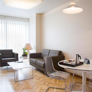 Hotel Pictures: Suites Sercotel Mirasierra, Pamplona