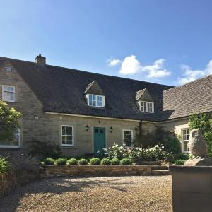 Hotel Pictures: Trinity House Upper Oddington, Stow on the Wold