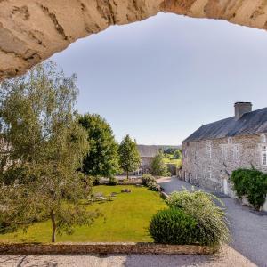 Hotel Pictures: Les Rochers, Cerisy-la-Forêt