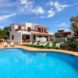 Hotel Pictures: SA Carroca Villa, San Jose de sa Talaia