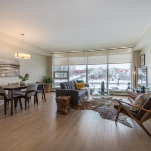 Hotel Pictures: Two Bedroom + Den Condo, Halifax