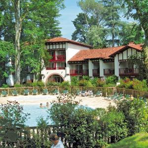 Hotel Pictures: Maeva Particuliers Residence Le Parc d'Arradoy, Uhart-Cize